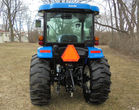 New Holland tractor pic 3