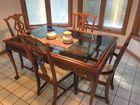 Glasstop mahog dining suit