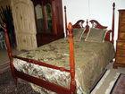 Queen Acorn post bed
