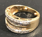 293. 14k and diamond ring
