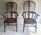 452. Pr. English Windsor chairs