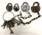 Lot# 180 - Lot of 4 Locks / Ring of Keys